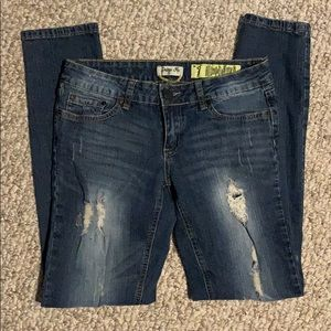 Juniors Indigo Rein size 7 distressed